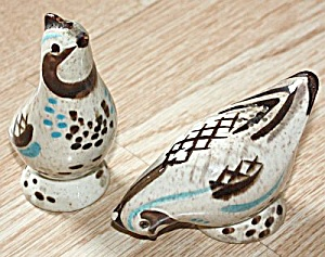 Red Wing Bob White Figural Quail Shakers (Image1)