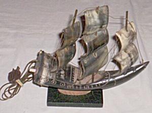 Vintage TV Light 3 Sail Ship made of Horn (Image1)