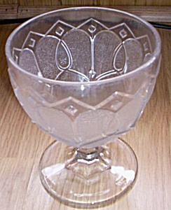 Loop & Dart W/ Diamond Ornaments Goblet