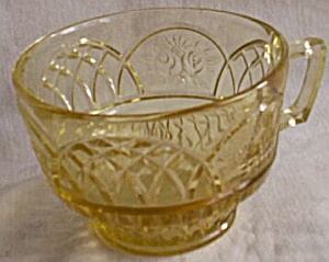 Federal Glass Amber Mayfair Cup (Image1)