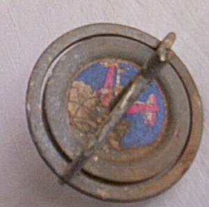 Very Old Metal String Top (Image1)