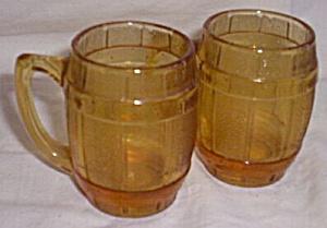 Vintage Amber Barrel Shot Glasses (Image1)