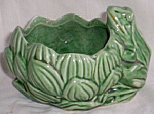 Mccoy Frog With Lotus Plant Planter
