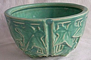 McCoy Ivy Leaf Pattern Planter (Image1)