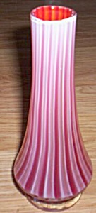 Norleans Art Glass Vase Cranberry Stripe (Image1)