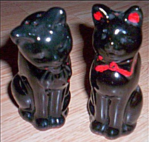 Vintage Red Clay Cat Shakers