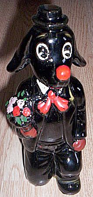 Proposing Dog Decanter Red Clay (Image1)