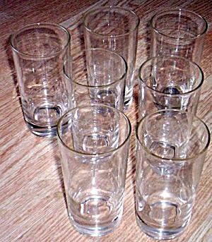 7 Vintage Crystal Tumblers Star Cutting (Image1)
