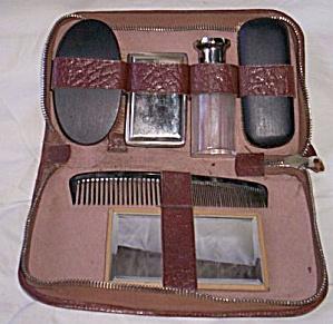 Antique Man's Grooming Set (Image1)