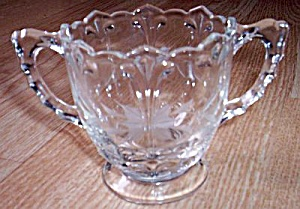 Indiana Glass Double Fleur de Lis Sugar (Image1)