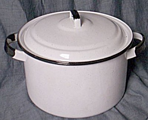 White & Black Enamelware Pot w/ Lid (Image1)