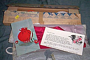 1963 Fad-Of-The-Month Christmas Bag Kit (Image1)