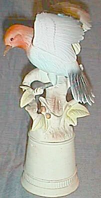 Very Old Bisque Woodpecker Figurine Hand Painted (Image1)