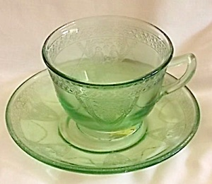 Federal Glass Parrot Cup & Saucer (Image1)