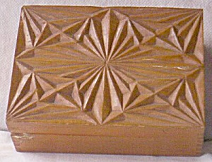 Vintage Hand Carved Little Wooden Trinket Box (Image1)