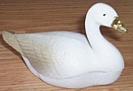 Click to view larger image of Vintage Goose That Laid the Golden Egg Shakers (Image1)