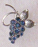 Click here to enlarge image and see more about item hib1205-31: Beautiful Cobalt Grape Cluster Pin