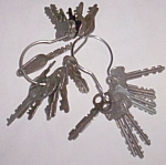 28 Old Flat Keys some Marked like Eagle