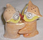 Vintage Hugger Owls Salt & Pepper Shakers Peach Luster