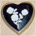 Click here to enlarge image and see more about item sf-23: Heart Shaped Lucite Compact White Roses Free Shipping