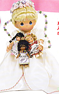 Precious Moments Doll PEACE AROUND the WORLD (Image1)