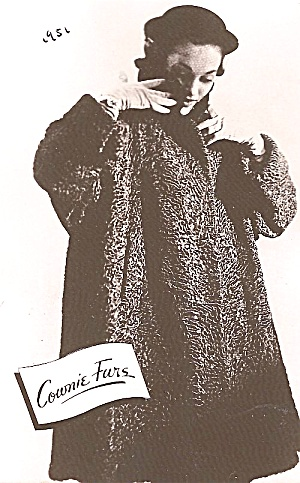 Iowa: Des Moines: Cownie Furs Advertising Postcard