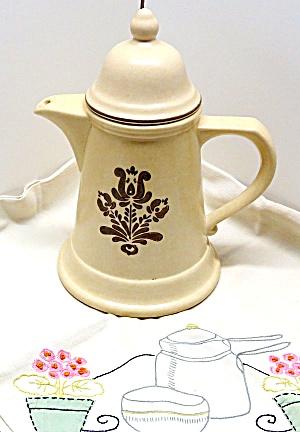 1970s Pfaltzgraff Village 9.75-inch Tea Pot w/Lid  (Image1)