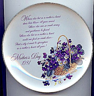 1981 Mother's Day Plate, Violets