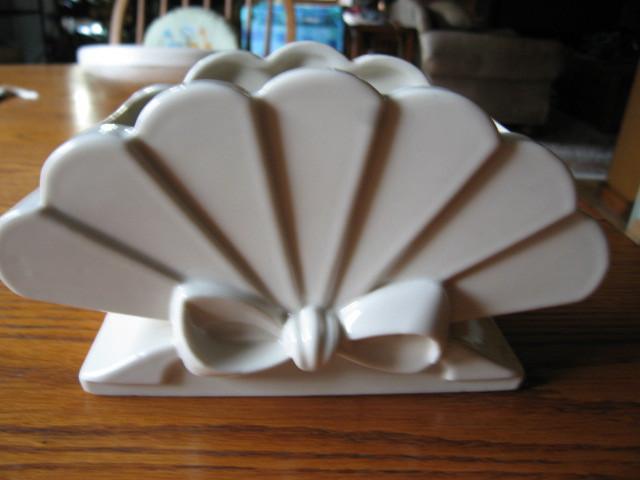 Abingdon Pottery Co Fan Vase Abingdon Pottery At More Than Mccoy