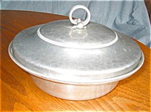 Vintage Buenilum Aluminum Casserole w/Pyrex (Image1)