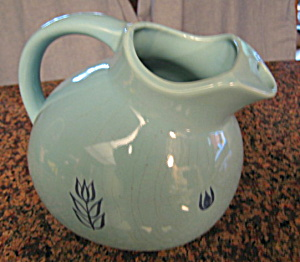 Vintage Ball Pitcher Blue Tulip (Image1)