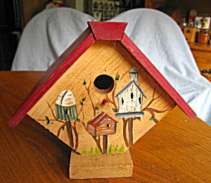 Hand Painted Wooden Birdhouse (Image1)