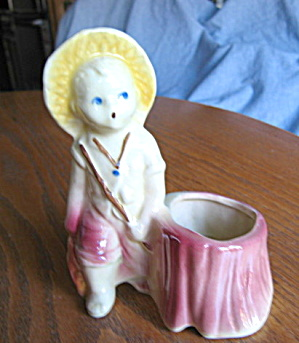 Vintage Shawnee Fishing Boy Planter (Image1)