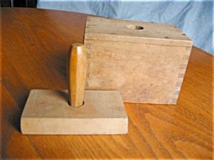 Primitive Wooden Butter Mold (Image1)