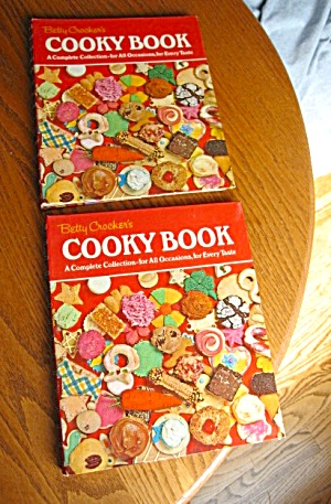Two Vintage Betty Crocker Cooky Books (Image1)