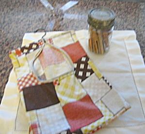 Vintage Clothespin Bag & Pin Jar (Image1)