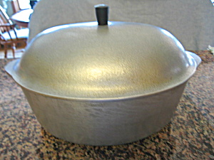 Vintage Club Cast Aluminum Oval Roaster  (Image1)