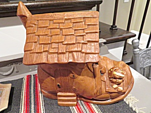Twin Winton Shoe Cookie Jar (Image1)