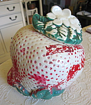American Bisque Sears Strawberry Cookie Jar (Image1)