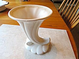 Haeger Antique Cornocopia Vase (Image1)