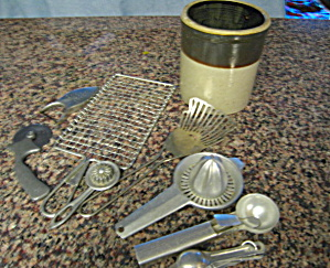 Vintage USA Kitchen Gadgets w/Crock (Image1)