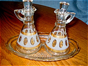 Vintage Cruets and Tray (Image1)