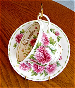 Royal Albert November Teacup (Image1)