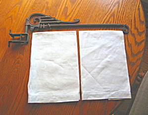 Victorian Hanging Rod & Linens