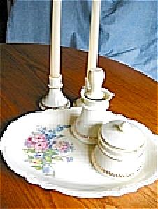 Vintage Custard Glass Assortment (Image1)