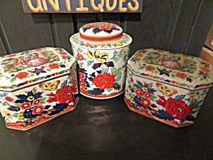 Daher Vintage Tin Assortment