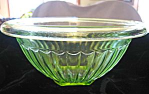 Green Depression Bowl (Image1)