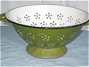 Vintage Green Graniteware Colander  (Image1)