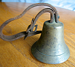 Antique Cow Bell and Collar (Image1)