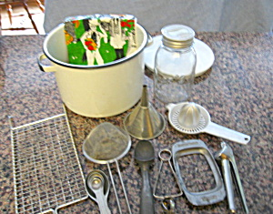 Graniteware Pot & Kitchen Gadgets (Image1)